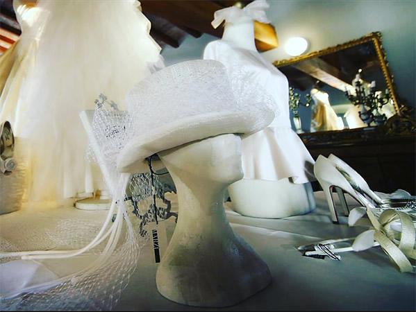 Risultati immagini per accessori da sposa